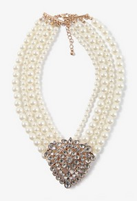 Sparkling pearl necklace-$11