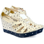 Love the subtle stars on these wedges-$32